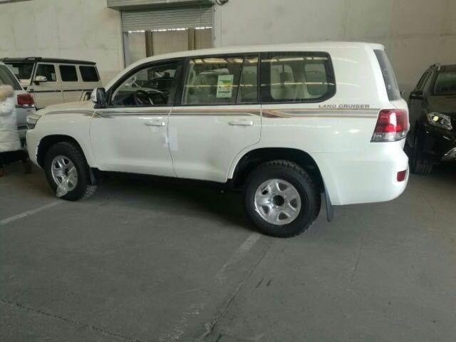 车语|平行进口|丰田兰德酷路泽(进口)18款冰箱电座丐版天津天津|汽车消费贷款